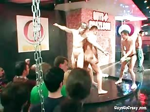 Hete gay jongens beuken de strakke kontjes